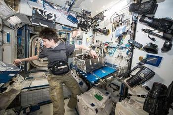 10 удивительных вещей, которые происходят с телом человека в космосе