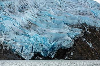Голубой ледник на просторах Патагонии