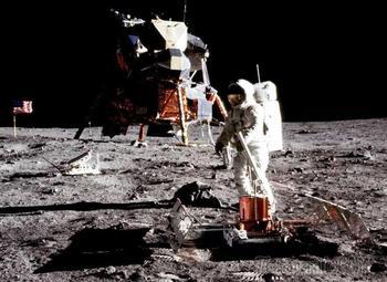 Марс – это вам не Луна. Почему так сложно отправить человека на Красную планету?