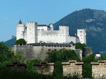 Самые большие замки в мире: ТОП-5 невероятных древних сооружений