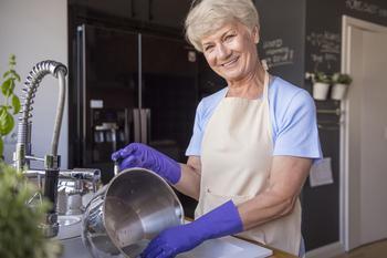 Кухонный кошмар: как очистить пригоревшую кастрюлю