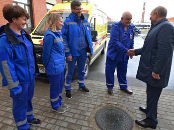 «Такого быть не может»: в профсоюзе медработников удивились озвученным Путину зарплатам врачей скорой помощи
