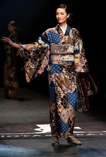 Живая традиция Японии: Как выглядят современные кимоно, от которых не откажутся самые взыскательные модницы