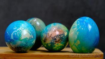 Пасхальные яйца как планета «Земля»! Как покрасить яйца на Пасху красиво и необычно!