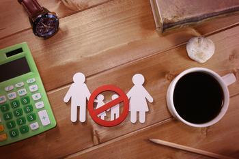 Мы — чайлдфри пара, а тёща требует внуков, что делать?