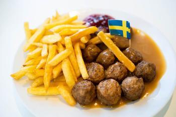 IKEA раскрыла рецепт своих знаменитых фрикаделек: как приготовить их дома