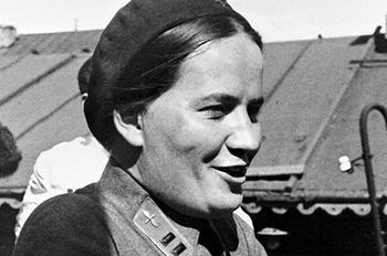 Марина Раскова - девушка с вокальным талантом, ставшая героиней-летчицей