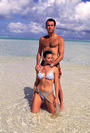 Счастливы навсегда: Герой бондианы Пирс Броснан отметил 25 лет совместной жизни со своей женой