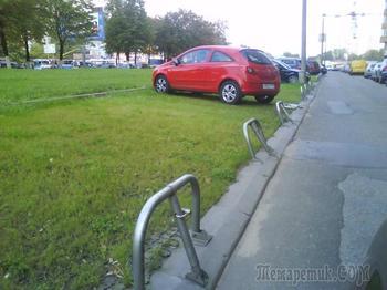 Куда жаловаться на незаконную парковку во дворе?