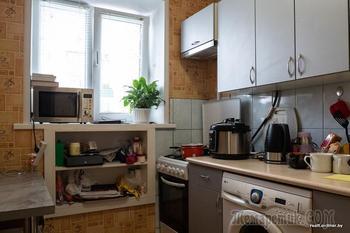 «Люди не знают, что такое по-настоящему тесно». Как семья минчан живет в микроквартире площадью 22 «квадрата»
