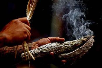 Магия и ритуалы для желанных и нежеланных гостей