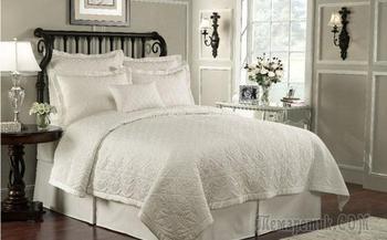 10 причин влюбиться в белое постельное бельё