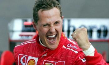 Легендарный гонщик Михаэль Шумахер вышел из комы