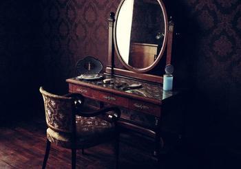 Чего нельзя говорить и думать перед зеркалом?