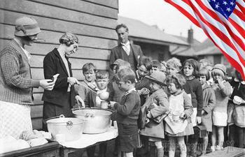 Драки за туалетную бумагу, культ улыбки и другие последствия Великой Депрессии в Америке