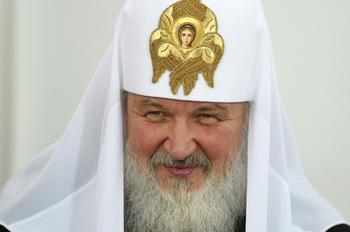 Патриарх Кирилл заявил, что в соцсетях среди молодежи развивается масштабная антирелигиозная кампания