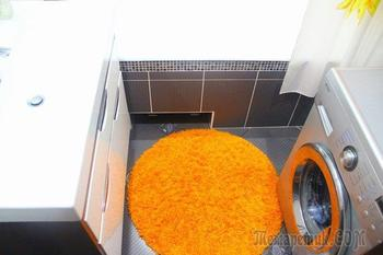 Ванная комната: серый твид, оранжевые подсолнухи