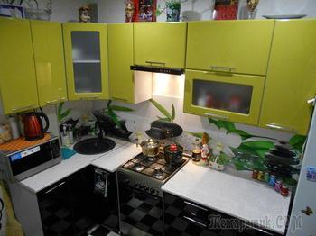 Черно-зеленая кухня и спальня в оттенках сиреневого