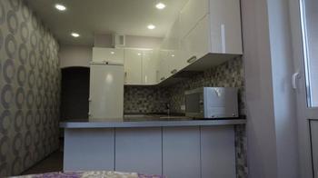 Кухня: как исправить комнату-пенал