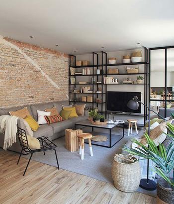 Приятная квартира с элементами индустриального стиля в Барселоне