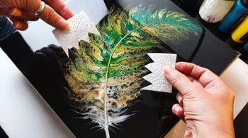 Как нарисовать красивое перо с помощью туалетной бумаги