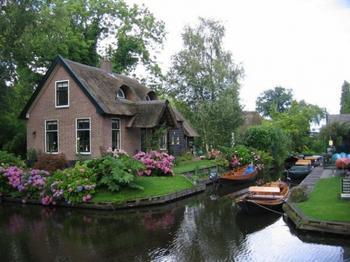 Гитхорн - голландская деревня мечты, где нет дорог