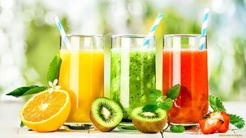 Свежевыжатые соки: чем полезны и как правильно употреблять