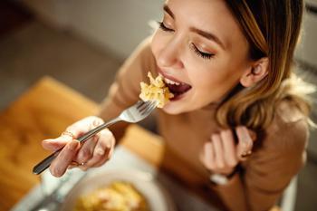 Доверься своему организму: 10 принципов интуитивного питания, которые помогут держать вес в норме