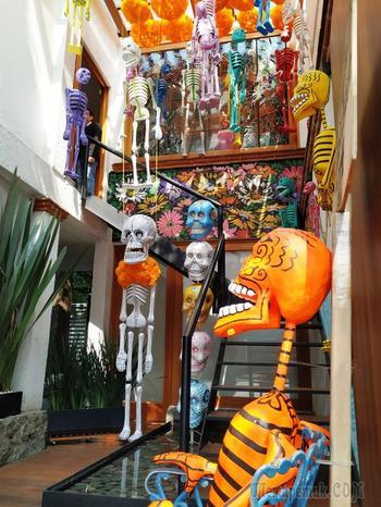 Ночь на знаменитом кладбище в День мёртвых… или моя поездка в Мексику (часть 3).