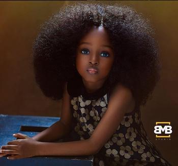 Темнокожие ангелы: Сестры из Нигерии были названы самыми красивыми девочками в мире
