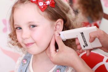 В каком возрасте можно проколоть уши ребенку?