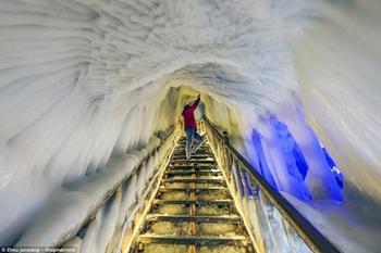 Ледяные пещеры, которые не тают даже летом