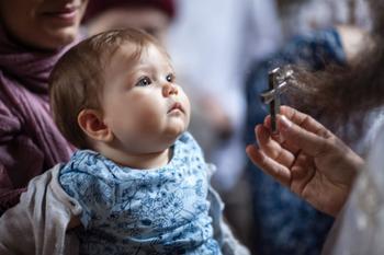 Можно ли покрестить ребенка без огласительной беседы