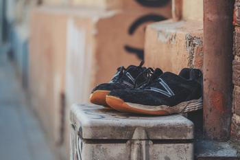 Как спасти испорченную одежду и обувь