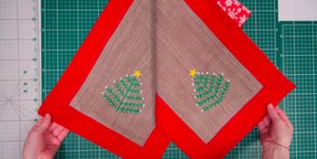 Красивая дорожка на праздничный стол из остатков ткани