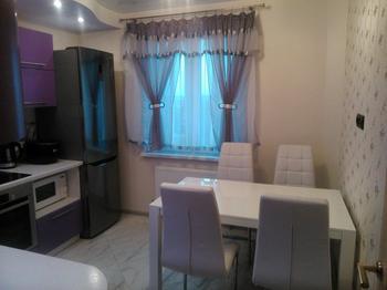 Кухня: бело-лавандовая