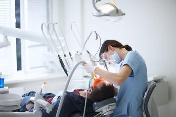 9 мифов о зубах, в которые надо перестать верить