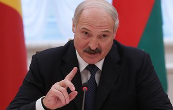 Лукашенко заявил, что США хотят ограничить центральную власть в России