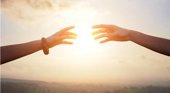 Почему надо помочь близкому, если он попал в беду? Чтобы отвести беду от себя