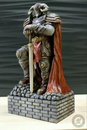 Впечатляющая скульптура, вырезанная из дерева