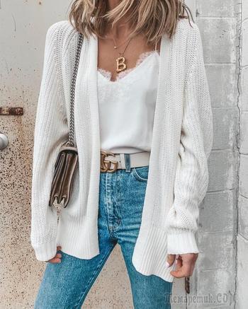 25 вариантов как носить белые кофты осенью 2020