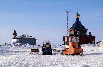 Как живётся за Полярным кругом, где при -60 не замерзают ручьи, а при +30 не тает снег