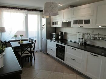 Кухня: лаконично, просто, функционально и уютно