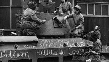 Что генсеки дарили своим друзьям: Самые известные дипломатические подношения друзьям СССР