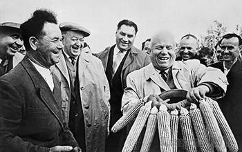 Две заветных мечты Никиты Хрущёва: Кто вдохновил Генсека засеять всю страну кукурузой