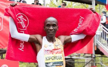 Незасчитанный марафон: как Кипчоге выбежал из двух часов
