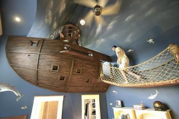 Детская комната Pirate Ship в стиле пиратского корабля