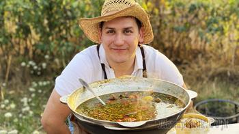 Узбекский суп шурпа в казане - вся деревня сбежалась!