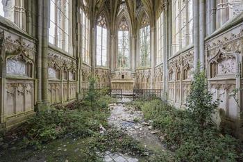 20 фотографий заброшенных мест, на которых природа взяла верх над всем, что сделал человек