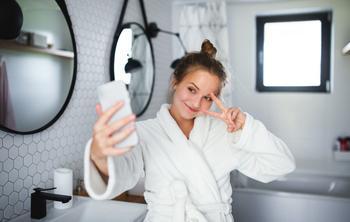 Из чего лучше cделать потолок в ванной, чтобы потом не пожалеть